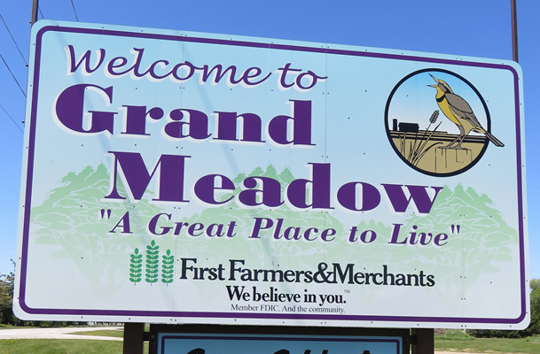 Welcome to Grand Meadow sign